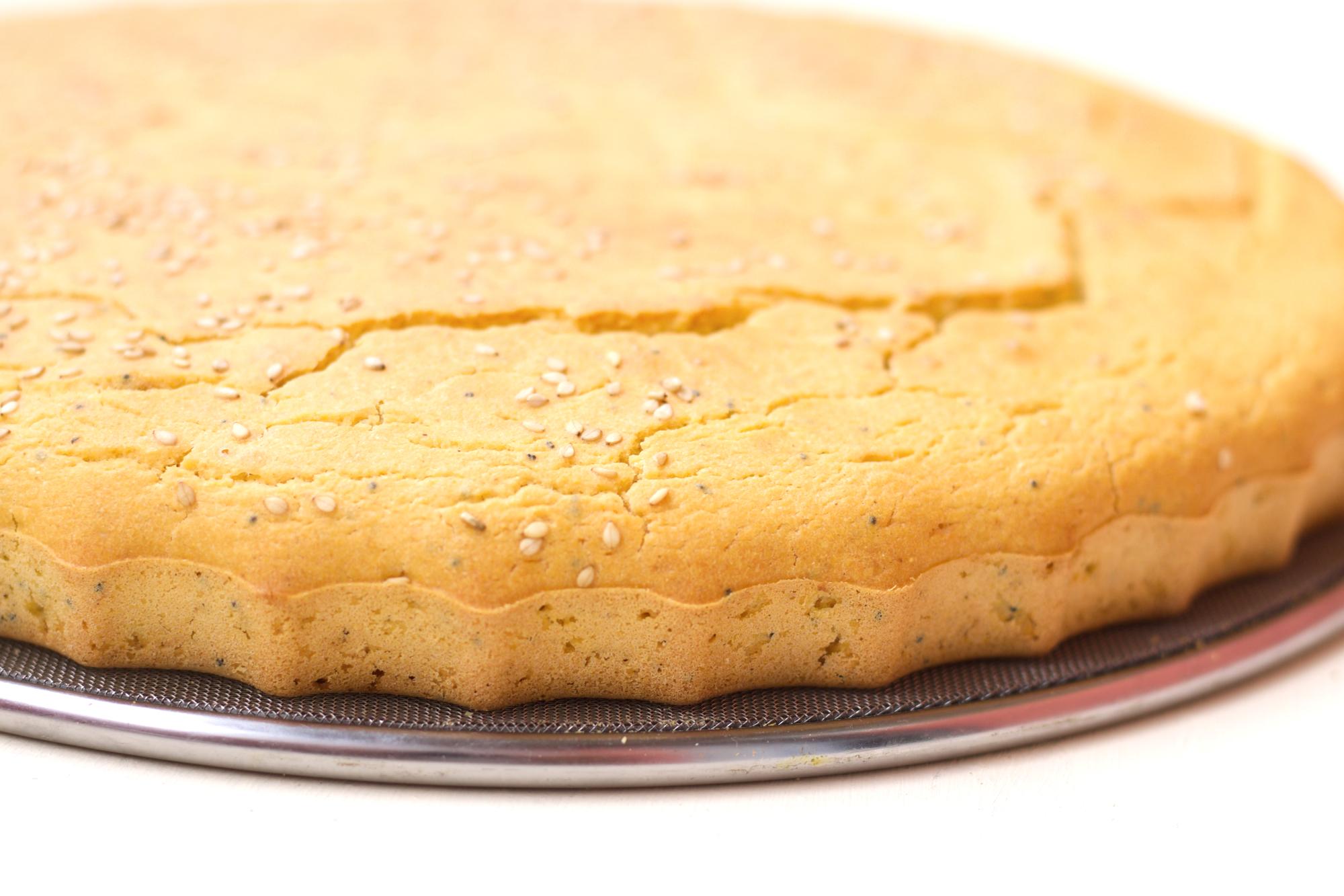 Царевично хлебче с нещо кексово в потеклото