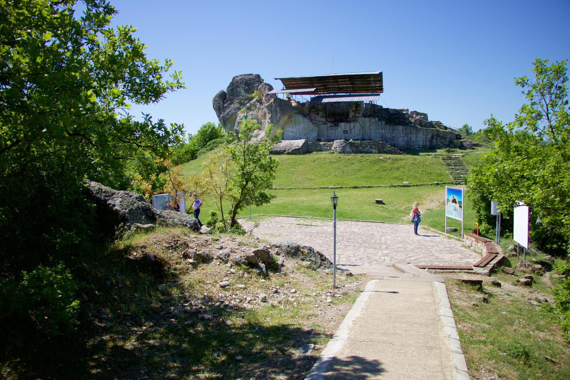 Татул – древно скално светилище в Източните Родопи