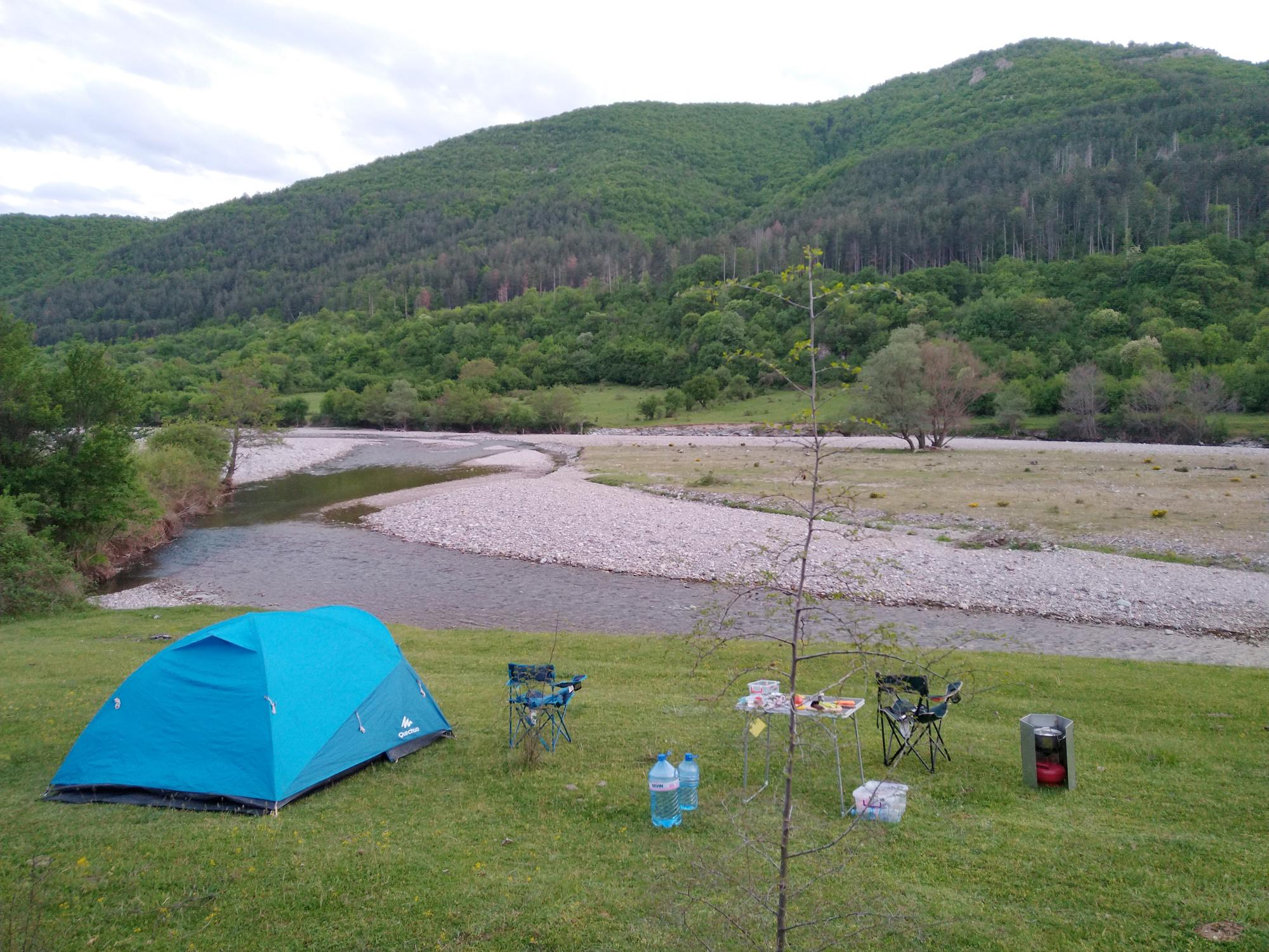 С палатка в Източните Родопи през месец май – пълно презареждане на тялото, ума и душата