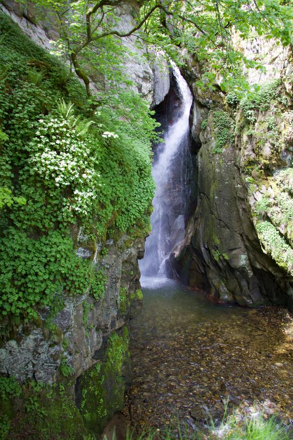 Фотински водопад.